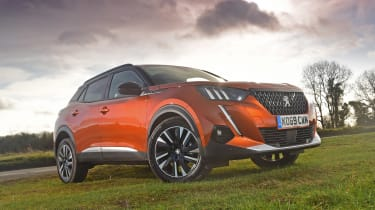 Peugeot 2008 SUV front 3/4 static