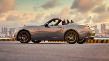 Mazda MX-5 R-Sport side view
