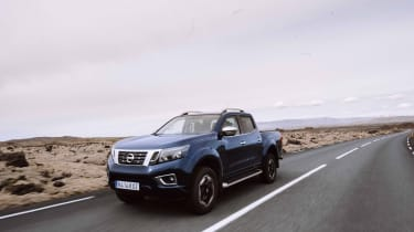 2019 Nissan Navara - front 3/4 dynamic road low angle