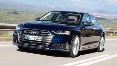 Audi S8 saloon front 3/4 tracking