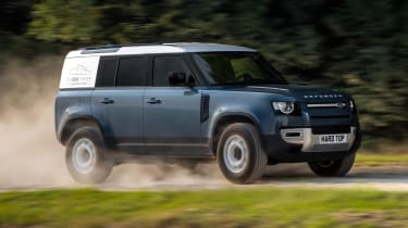 2020 Land Rover Defender 110 Hard Top - front 3/4 dynamic