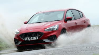 Ford Focus ST hatchback front water splash
