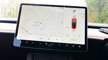 Tesla Model 3 saloon sat nav