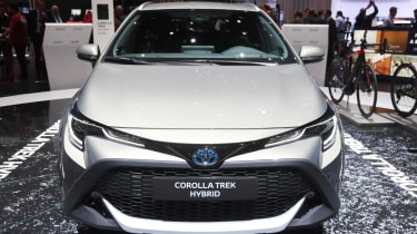 Toyota Corolla Trek Touring - Geneva front close