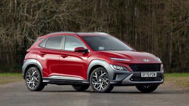 Hyundai Kona Hybrid SUV front 3/4 static