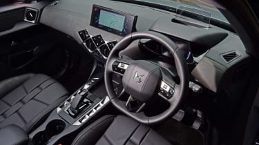 DS 3 Crossback E-Tense SUV steering wheel