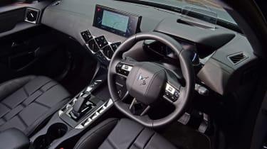 DS 3 Crossback E-Tense SUV steering wheel