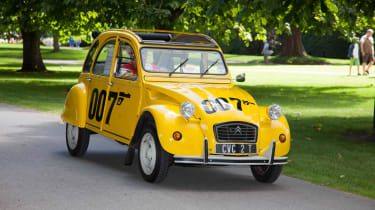 Citroen 2CV 007 – Aston Martin DB5, Lotus Esprit, BMW Z8 – all of these have power, prestige and a pretty steep price in common. At the opposite end of the scale, though, we have the Citroen 2CV, as used by Bond moments after his Espri