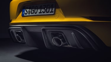 Porsche 718 Cayman GT4 - exhausts and diffuser