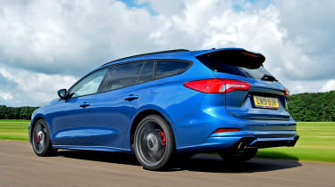 Ford Focus ST Estate rear 3/4 tracking
