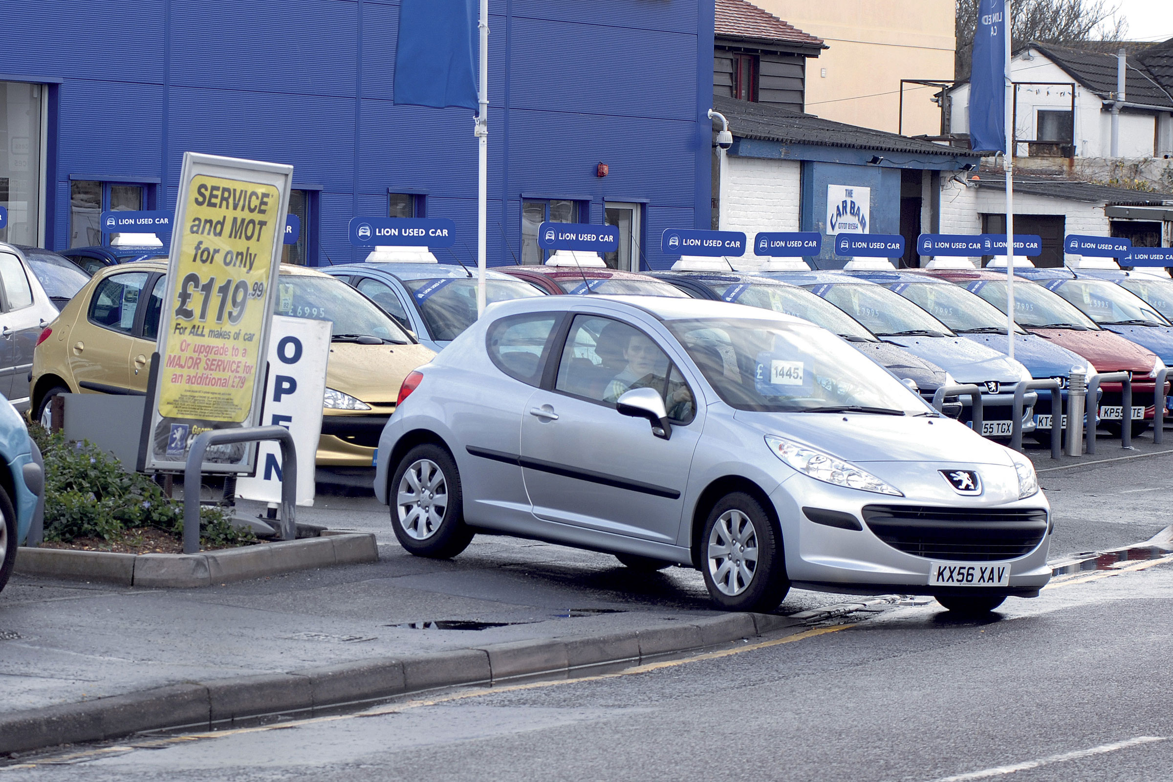 Used Car Price Guides How Much Is My Car Worth Carbuyer