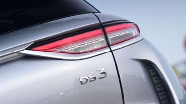 DS 3 Crossback E-Tense SUV boot badge