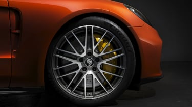2020 Porsche Panamera Turbo S alloy wheel