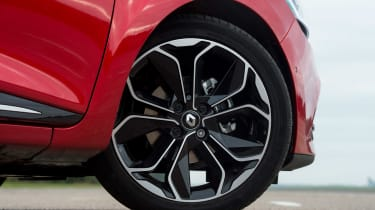 Top Dynamique S Nav versions of the Clio come fitted with 17-inch alloy wheels