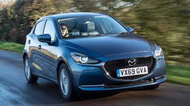 Mazda2 driving - front end