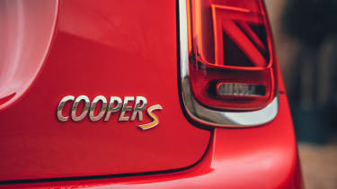 MINI Electric hatchback Cooper S badge