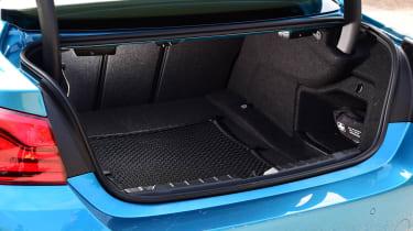 BMW 420d M Sport boot