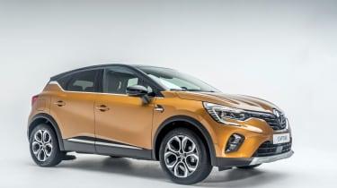 2020 Renault Captur - front 3/4 studio shot