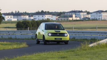 2019 Honda e prototype - front view handling track
