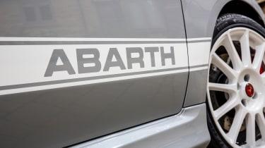 Abarth 595 Esseesse stripe