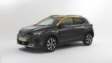 2020 Kia Stonic - front 3/4 static view