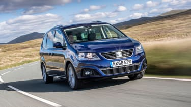 SEAT Alhambra MPV front 3/4 tracking