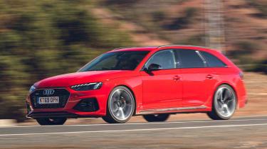 Audi RS4 Avant estate front 3/4 panning