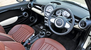 MINI Convertible - interior