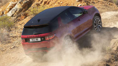 Facelifted Land Rover Discovery Sport - offroad climbing