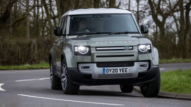 Land Rover Defender 110 - cornering dynamic