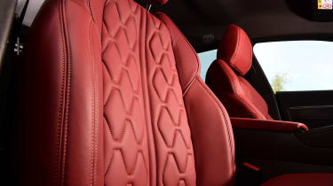 Peugeot 508 SW estate front seats