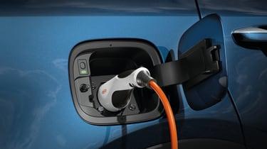 2020 Kia Sorento SUV plug-in hybrid - charging port