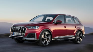 Audi Q7 SUV facelift front 3/4 tracking