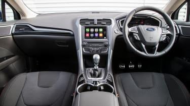 Ford Mondeo hatchback dashboard