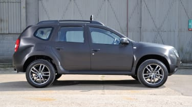 Dacia Duster SUV 2013 side profile