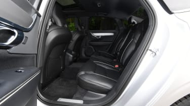 Volvo S90 - rear seats