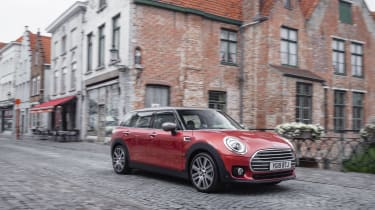 2019 MINI Clubman - Front offside 3/4 dynamic view