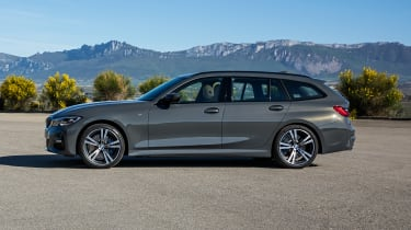 2019 BMW 3 Series Touring - side on view static