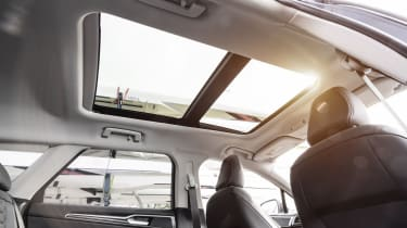 Ford Mondeo Estate panoramic sunroof