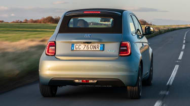 Fiat 500 hatchback rear tracking