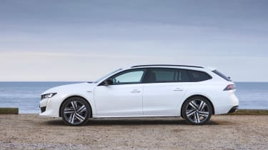 Peugeot 508 SW side view