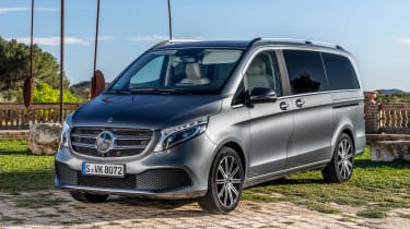 Mercedes V-Class MPV front 3/4 static
