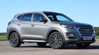 Hyundai Tucson Premium - front 3/4 static