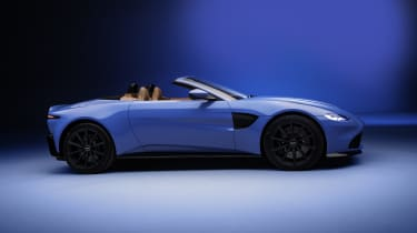 2020 Aston Martin Vantage Roadster - side view