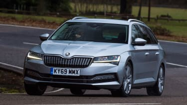 Skoda Superb Estate front cornering