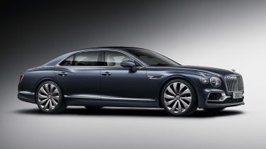 2019 Bentley Flying Spur - side view quarter