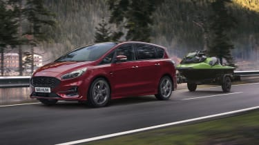 Ford S-MAX hybrid towing a jetski