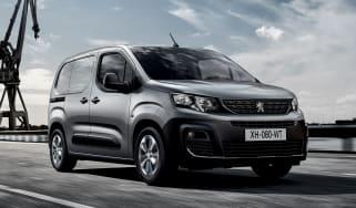 2018 Peugeot Partner van front