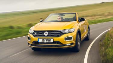 Volkswagen T-Roc Cabriolet cornering