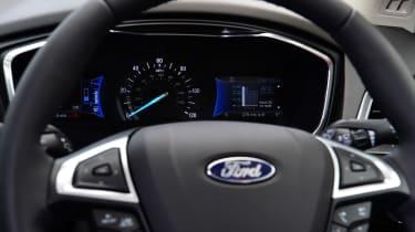 Ford Mondeo hybrid steering wheel